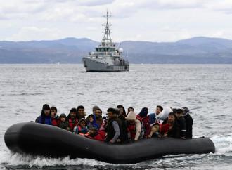 I flussi illegali calano in Europa ma triplicano in Italia