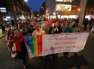 Omofobia, la pretesa di pregare per una imposizione
