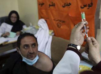 Stop Astrazeneca: è l'8 settembre del mito vaccinista
