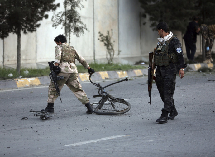 Afghanistan, militari sul luogo di un attentato