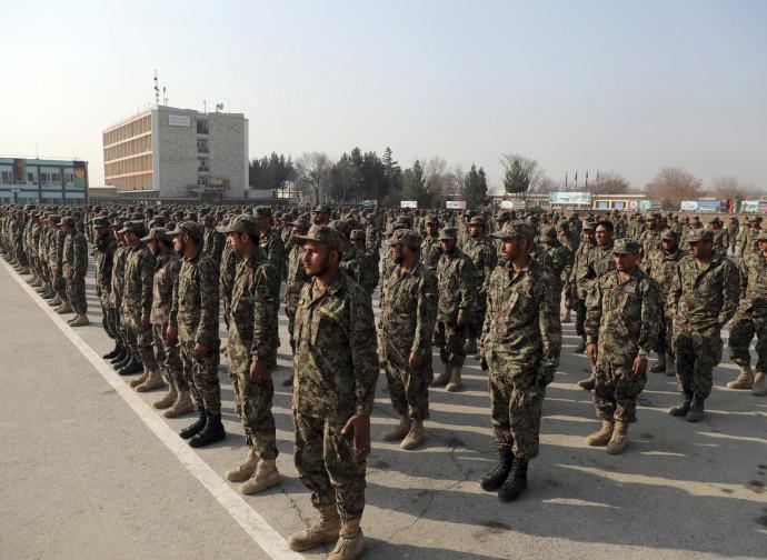 Esercito afghano, diplomati all'accademia militare