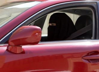 Arabia Saudita, le donne alla guida non fanno libertà