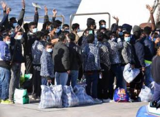 Le rotte migratorie illegali puntano sull'Italia