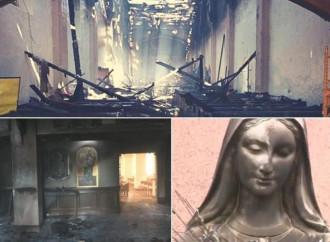 Chiese e statue profanate in Usa: l'odio e i segni di speranza