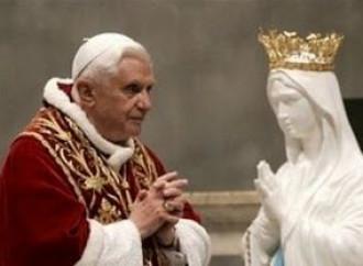 Il coronavirus, la Madonna e Benedetto XVI