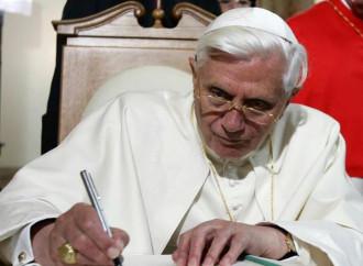 Auguri e grazie a Benedetto XVI per la difesa del celibato