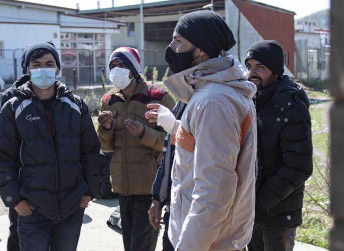 Emigranti in un campo della Bosnia