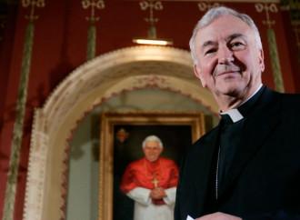 Alfie, padre Gabriele rispedito in Italia