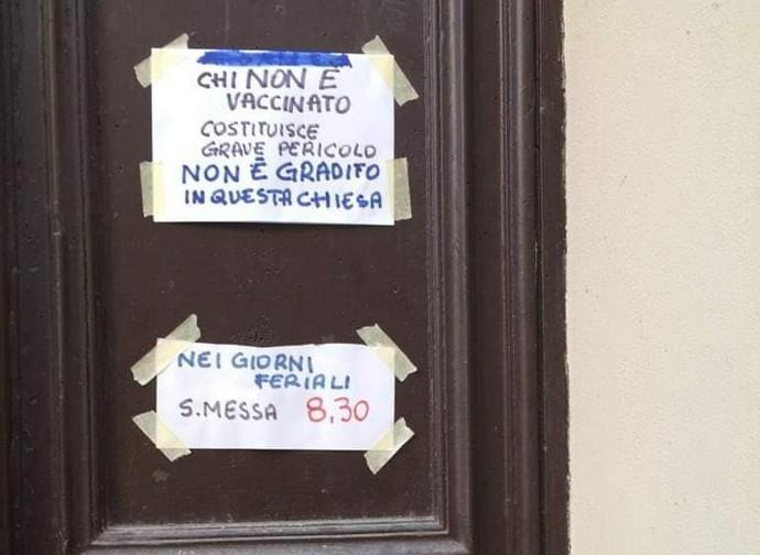 Scritta sul portone della chiesa di san Paolo a Casale Monferrato