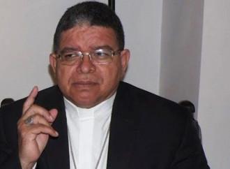 """Il grido del vescovo: """"Venezuela, regime illegittimo: Paese e Chiesa soffrono"""""""