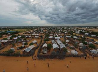 Il Kenya chiude due campi profughi che ospitano centinaia di migliaia di rifugiati