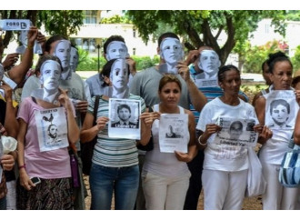 Cuba, la bandiera sventola ma il dialogo latita