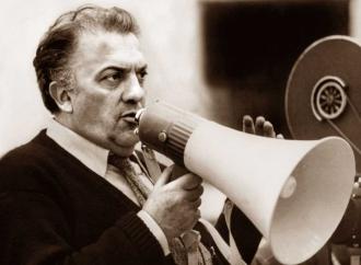 Fellini, un regista in bilico tra dissoluzione e grazia