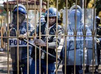 Dove la polizia blocca le Messe e i preti vengono arrestati