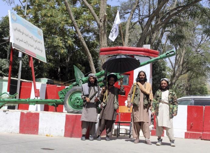 Talebani a Ghazni