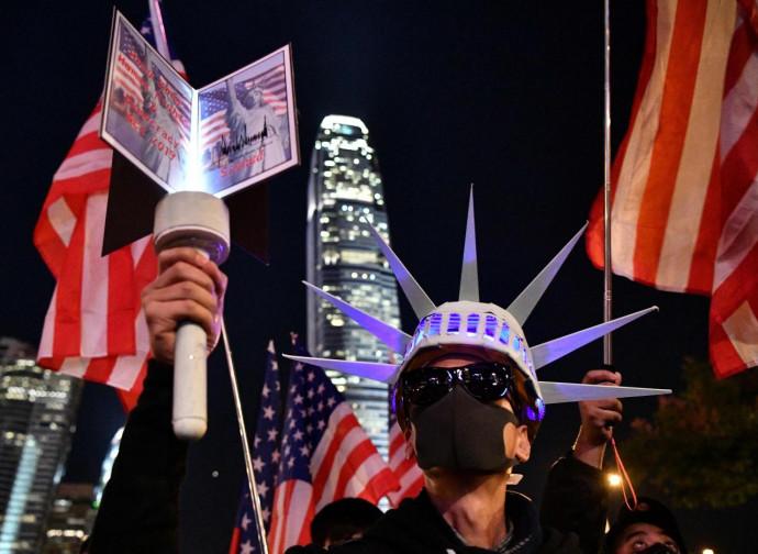 Hong Kong, manifestazioni pro-Trump