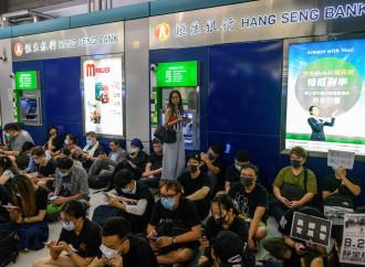 """La strategia di Bruce Lee: le proteste di Hong Kong """"sono acqua"""""""