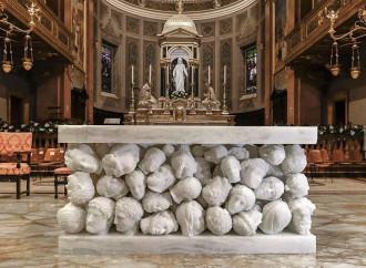 L'altare dissacrante della basilica di Gallarate