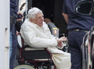 Il virus di Benedetto XVI. Senza allarmi