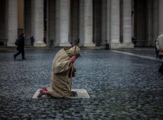 """L'allarme di Benedetto XVI: """"Chiesa al collasso spirituale"""""""