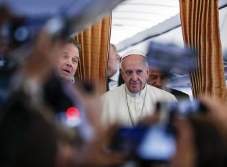Le scuse del Papa aprono il fronte sui suoi informatori