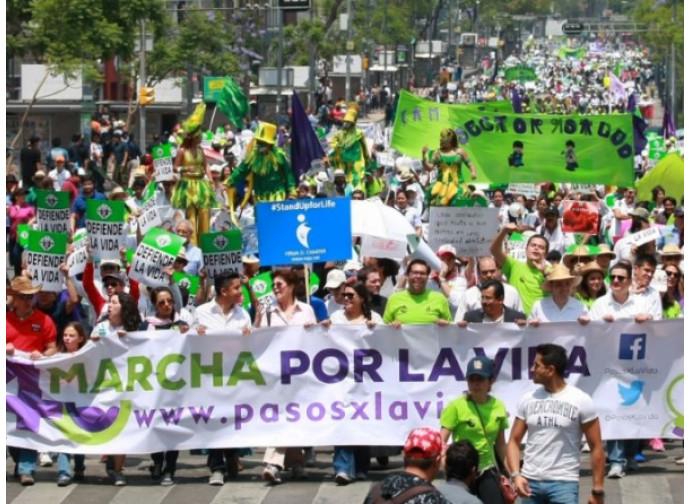 Una Marcha por la vida y la familia in Messico