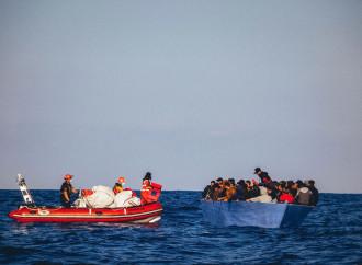 Covid-19. Secondo le Ong un pretesto usato dall'Italia per respingere gli emigranti