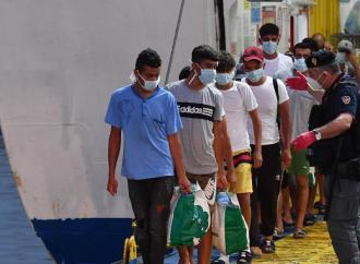 Tunisi in lockdown, ma Lampedusa è aperta ai clandestini