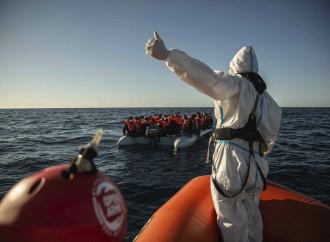 Il governo non c'è ancora, ma è già scontro sui migranti