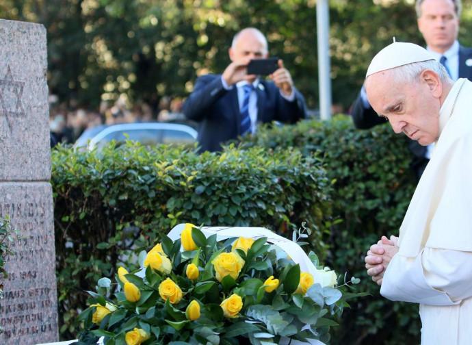 Il Papa al ghetto di Vilnius