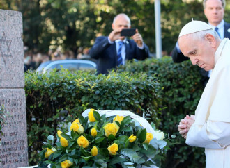 """Papa a Vilnius, contro i """"canti di sirena"""" delle ideologie"""