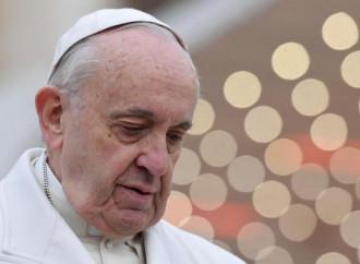 Il Papa propone la «santità della porta accanto»