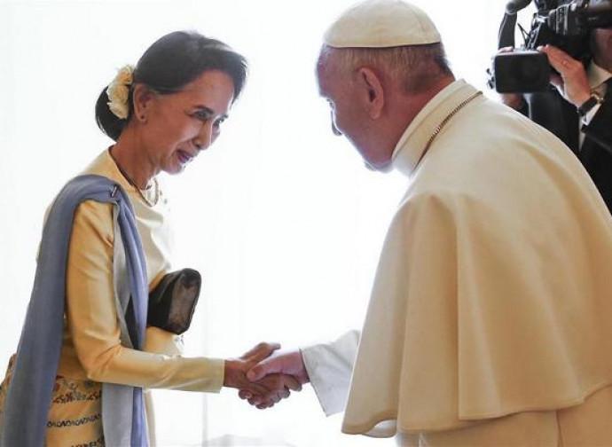 Il Papa con Aung San Suu Kyi