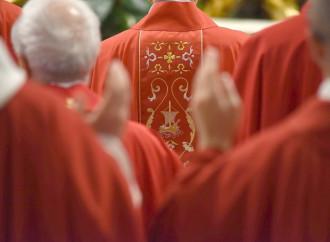 Il nuovo Concistoro e le mani sul Sacro Collegio