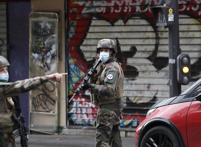 Parigi, ancora misure anti-terrorismo