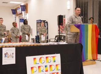 Joe Biden, cattolico che vuole i trans nell'esercito
