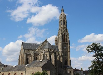 Francia, omicidio di un prete nel Paese cristianofobo
