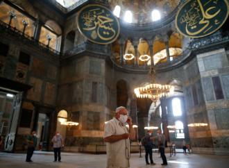 S'avvera il sogno islamista: Santa Sofia torna moschea