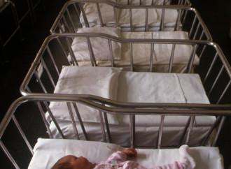 L'allarme del Nyt: avremo più funerali che compleanni