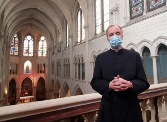 C'è un problema chiese anche in Francia, ma c'è chi reagisce