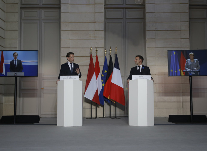Kurz e Macron al vertice sul terrorismo di Parigi