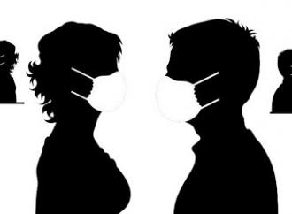 """Delirio dei ginecologi: """"Fate sesso, ma in mascherina"""""""
