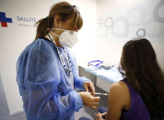Vaccinazione aperta ai giovani