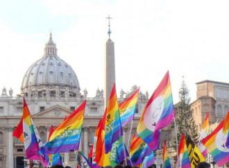 Benedizioni, la lobby gay assedia la Santa Sede