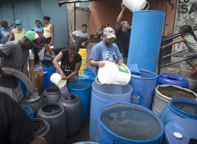 Venezuela, manca anche l'acqua
