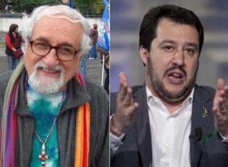 """La """"guerra"""" dei preti a Salvini (ma il popolo non li segue)"""